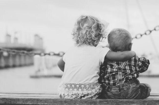Παγκόσμια ημέρα αγκαλιάς: Τι αξία μπορεί να έχει μια αγκαλιά για τον άνθρωπο;