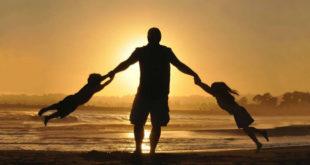 Μπαμπάς- χήρος μεγαλώνει μόνος τα ανήλικα παιδιά του