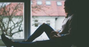 29 χρονών να μένεις με τους γονείς σου, σκέτη φρίκη