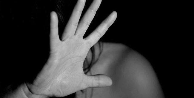 Σωματική κακοποίηση μωρομάνας από τον σύντροφό της