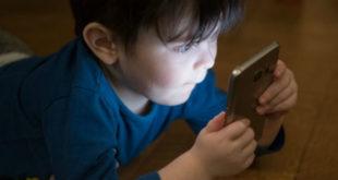 500 παιδιά για απεξάρτηση στο Παίδων από το ίντερνετ.