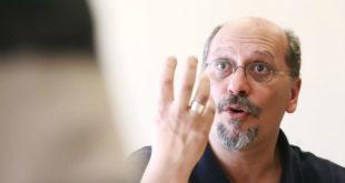 Πέθανε το πρωί της Τρίτης ο δημοσιογράφος Βασίλης Λυριτζής.
