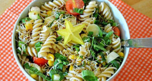 Μια δροσιστική πανεύκολη σπιτική σαλάτα ζυμαρικών