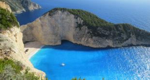 Οι ταξιδιωτικοί συντάκτες της βρετανικής εφημερίδας Guardian ψήφισαν πέντε ελληνικές παραλίες στις καλύτερες 40 της Ευρώπης