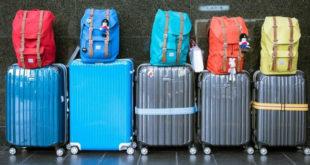 Χαμός στο αεροδρόμιο: «Άφωνοι» οι αστυνομικοί με αυτό που βρήκαν σε βαλίτσες (vid)