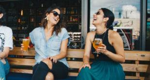Τι προκαλεί το αλκοόλ στο δέρμα σας