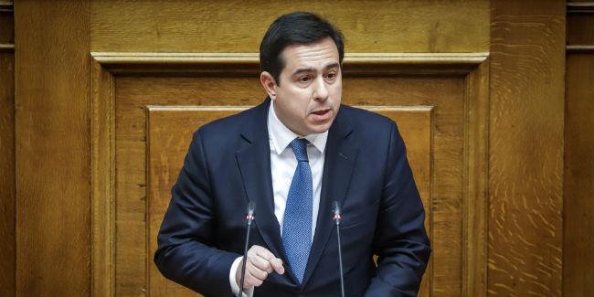 Έφοδος Μηταράκης στον ΕΦΚΑ , αφού τους έπαιρνε τηλέφωνο και δεν απαντούσαν...