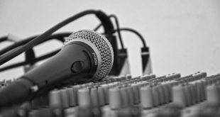 Θλίψη: Πέθανε πασίγνωστος τραγουδιστής