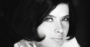 Σαν σήμερα πέθανε η Τζένη Καρέζη