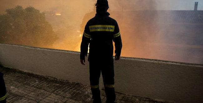 ΕΚΤΑΚΤΟ: Φωτιά Εύβοια – Εκκενώνεται και το χωριό Πλατανιά