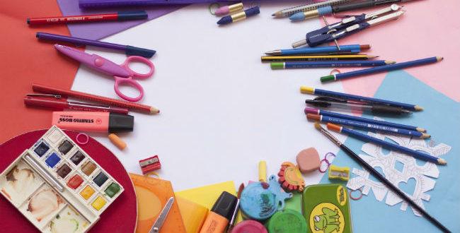 Σχολική τσάντα στον παιδικό σταθμό, το νηπιαγωγείο & το δημοτικό: Τι πρέπει να περιλαμβάνει;