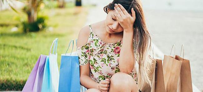 Ωνιομανία: όταν το πάθος για τα ψώνια γίνεται επικίνδυνος εθισμός