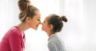 Πως να αντιδράσεις αν το παιδί σου πει ότι είναι ομοφυλόφιλο