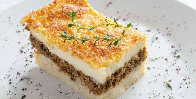 Η συνταγή της ημέρας: Λαχταριστό παστίτσιο με αφράτη μπεσαμέλ (φωτογραφία από newsbeast.gr)