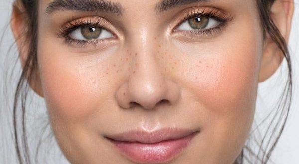 11 διαχρονικά μυστικά ομορφιάς (από τις μαμάδες) για να δείχνεις πάντα νέα