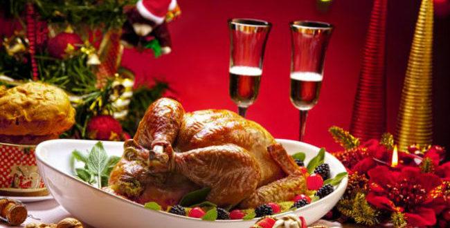 Χριστουγεννιάτικο τραπέζι: Πόσο μειώνονται οι τιμές στα σούπερ μάρκετ