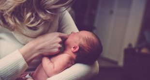 Μητρικός θηλασμός VS Ξένο γάλα: Η αιώνια διαμάχη μεταξύ των μαμάδων!