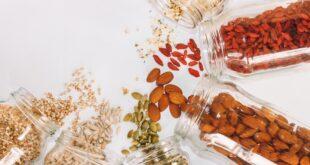 Οι υπερτροφές ή αλλιώς superfoods είναι τρόφιμα με ποικίλα συμπυκνωμένα θρεπτικά συστατικά. Οι συγκεκριμένες τροφές έχουν την ιδιότητα περιέχουν σε συμπτυγμένη μορφή, πολυάριθμες ευεργετικές ουσίες, όπως είναι οι βιταμίνες, τα ω-3 λιπαρά οξέα, μέταλλα και ιχνοστοιχεία.