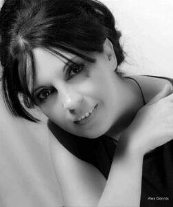 Η ταλαντούχα συγγραφέας Ιφιγένεια Καραντωνίου μιλά αποκλειστικά στο Nancy's Blog!