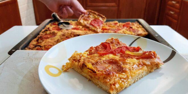 Ζύμη για πίτσα που δε θέλει φούσκωμα με 3 υλικά![Βίντεο]