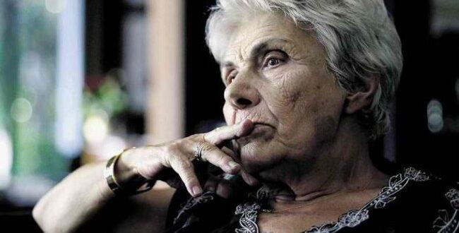 Κική Δημουλά Διακεκριμένη και πολυβραβευμένη ποιήτρια της δεύτερης μεταπολεμικής γενιάς, με μεγάλη απήχηση στο αναγνωστικό κοινό.