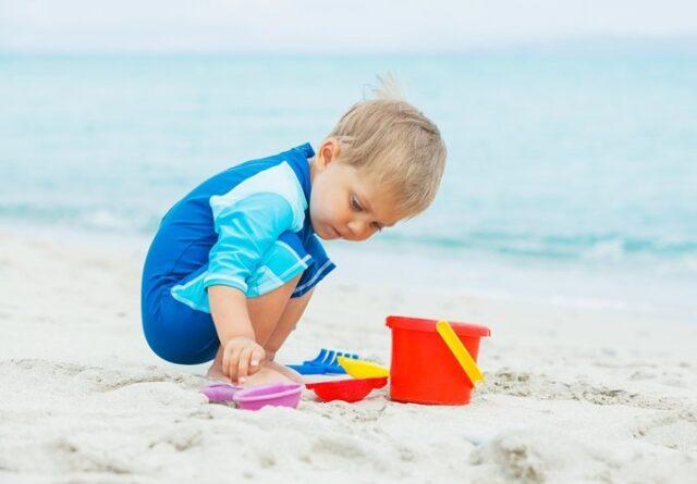 Θάλασσα και παιδί: Κολύμπι και παιχνίδι με ασφάλεια!