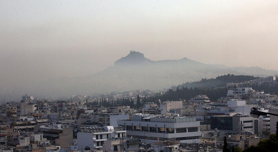 Φωτιά στη Βαρυμπόμπη: Πώς να προστατευτείτε από τον καπνό